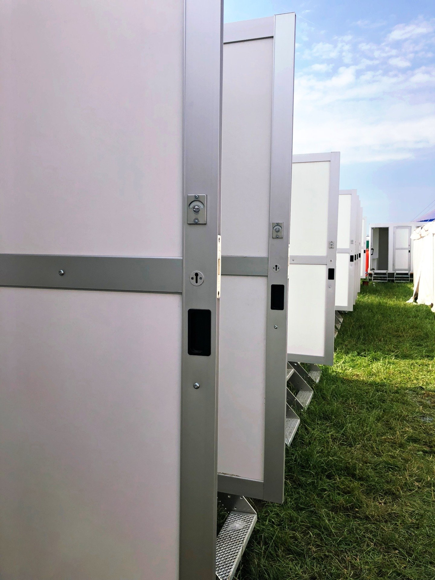 Download Festival Trailers Showers Toilets WC Hire Rental